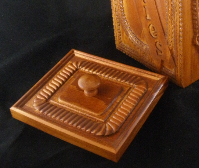 Old fashioned cookie box carvebuddy